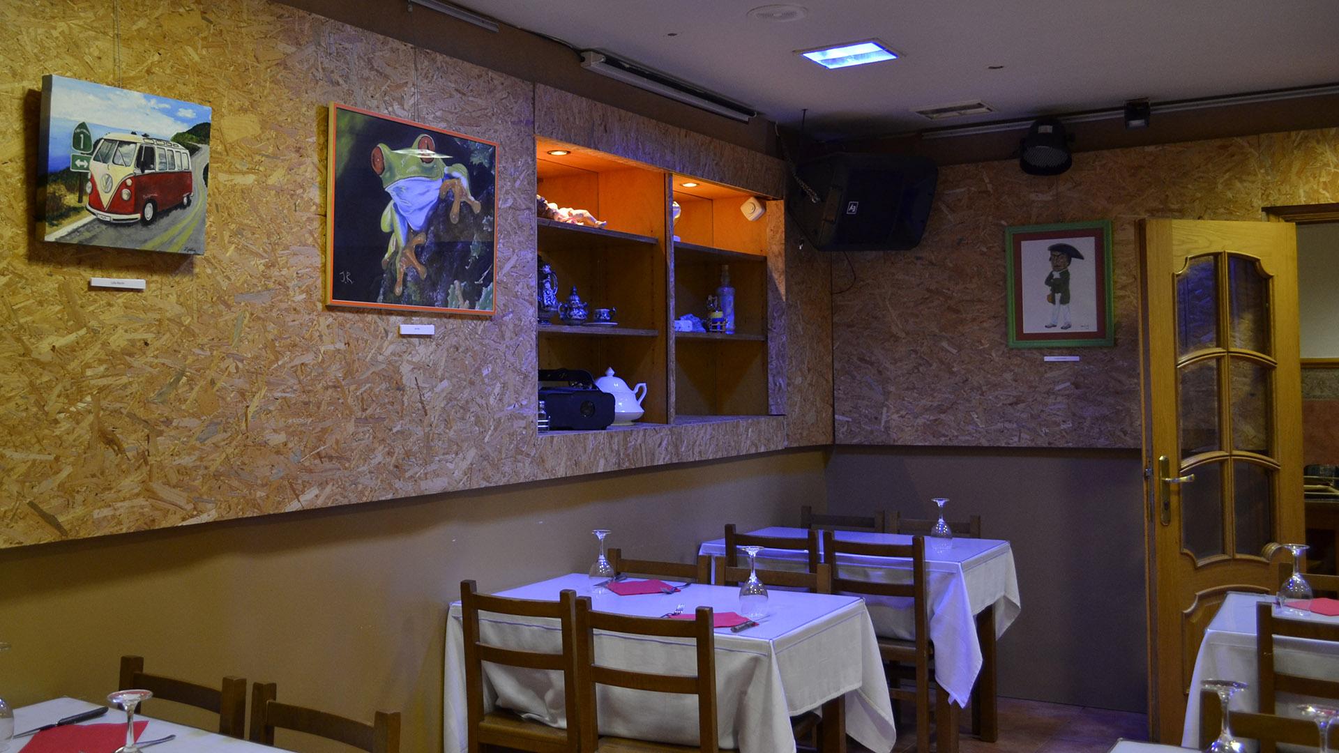 Vista de la exposición del bar Gallego, en la calle Jarauta