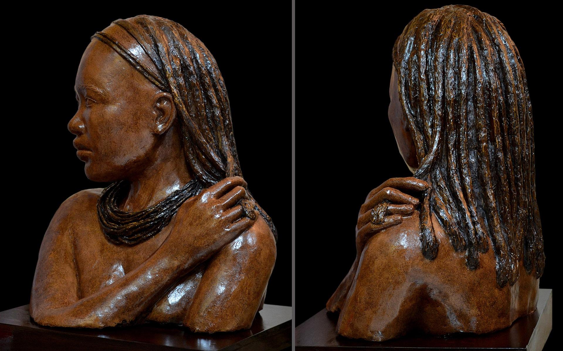 Himba. Escayola, 45 x 35 cm, Javier Olmedo. 2015