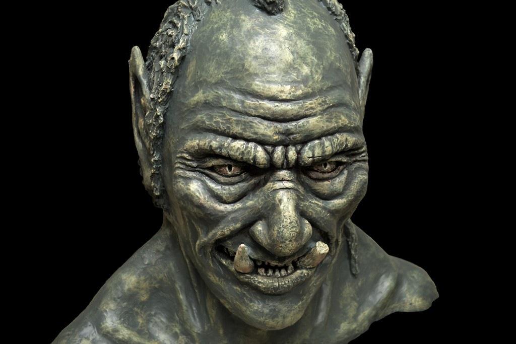 Ogro. Escayola, 45 x 50 cm, Javier Olmedo. 2016