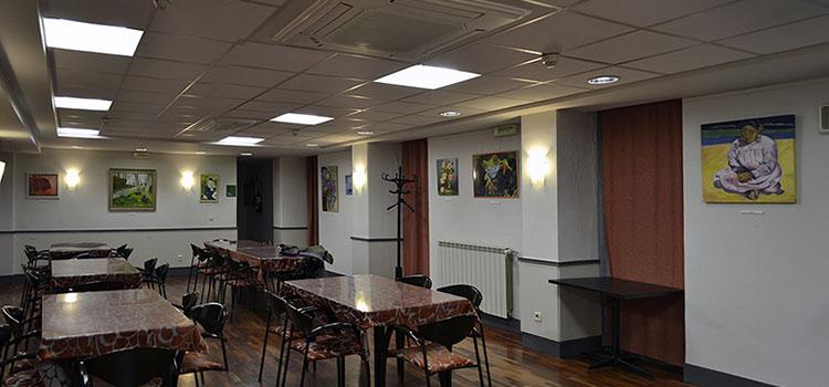 Exposición de alumnos en el Club Larraina