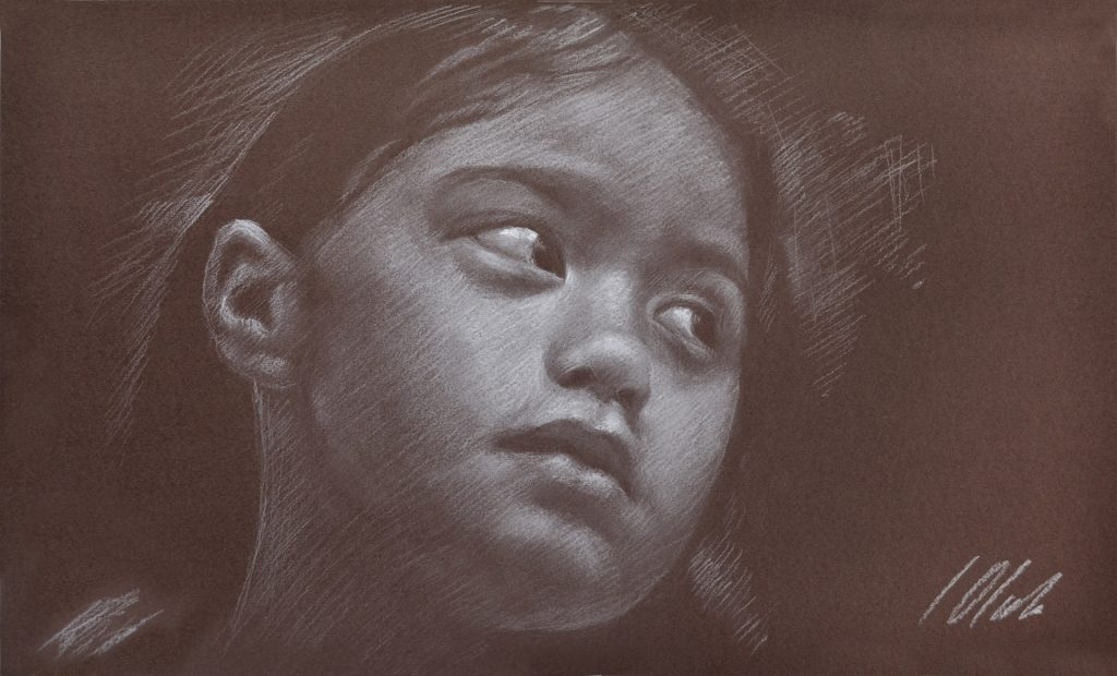 Retrato de niña sobre fondo marrón. Javier Olmedo, pastel blanco sobre papel marrón de 50 x 30 cm. Año 2017. PV 130 €