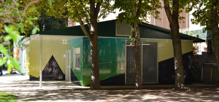 El retrato de Berta Cáceres en el Aula Verde de Huesca