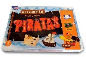 Alfarería moldea y decora Piratas